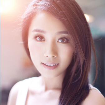 气质美女演员高雅轩高清写真